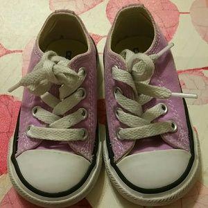 Super Cute Fuschia Chuck Taylor Converse Sneakers